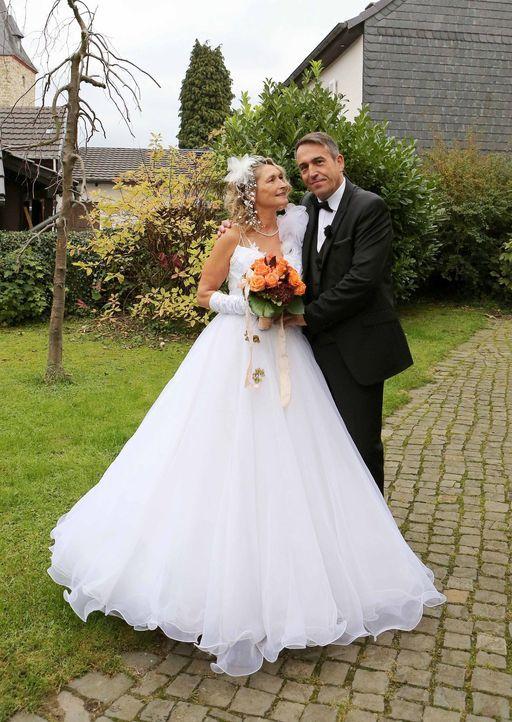 Das Brautpaar Döres möchte den schönsten Tag in ihrem Leben noch einmal erleben ... - Bildquelle: SAT.1