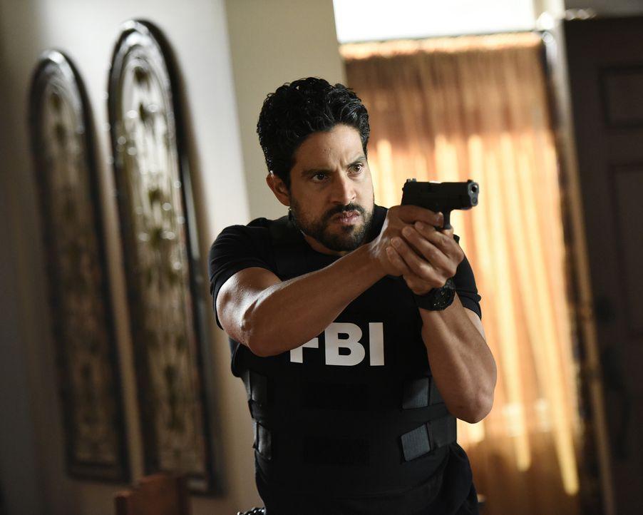 Agent Luke Alvez (Adam Rodriguez) ermittelt gemeinsam mit dem BAU-Team, um einen Mörder zu fassen, der zusammen mit anderen Häftlingen aus einem Gef... - Bildquelle: Eddy Chen ABC Studios