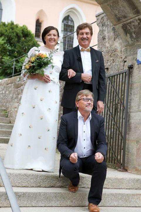 Das Brautpaar Schindler möchte den schönsten Tag in ihrem Leben noch einmal erleben ... - Bildquelle: SAT.1