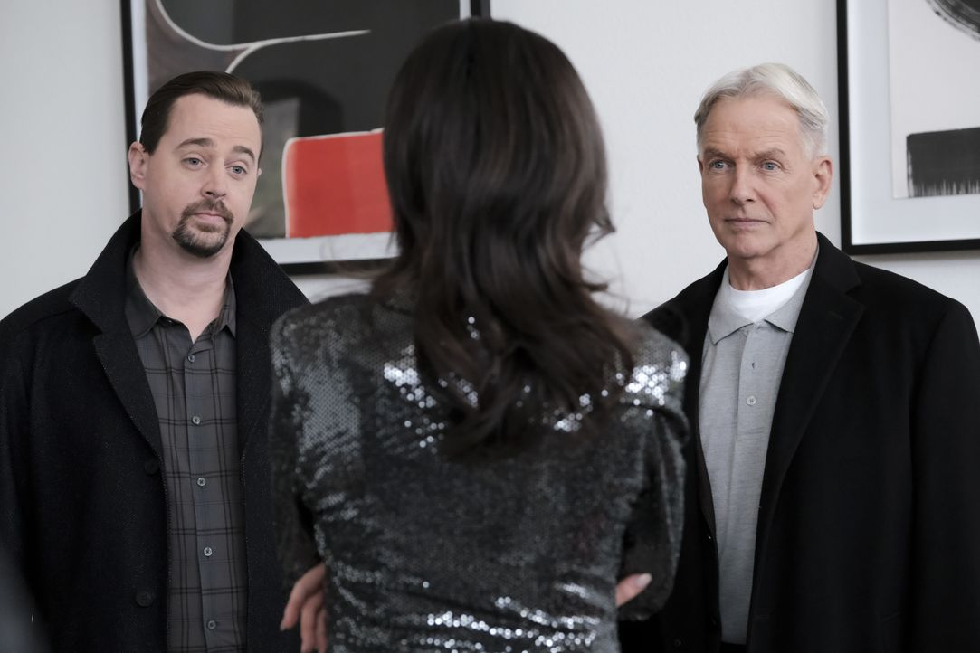 Timothy McGee (Sean Murray, l.); Leroy Jethro Gibbs ( Mark Harmon, r.) - Bildquelle: Eddy Chen 2020 CBS Broadcasting Inc. All Rights Reserved. / Eddy Chen