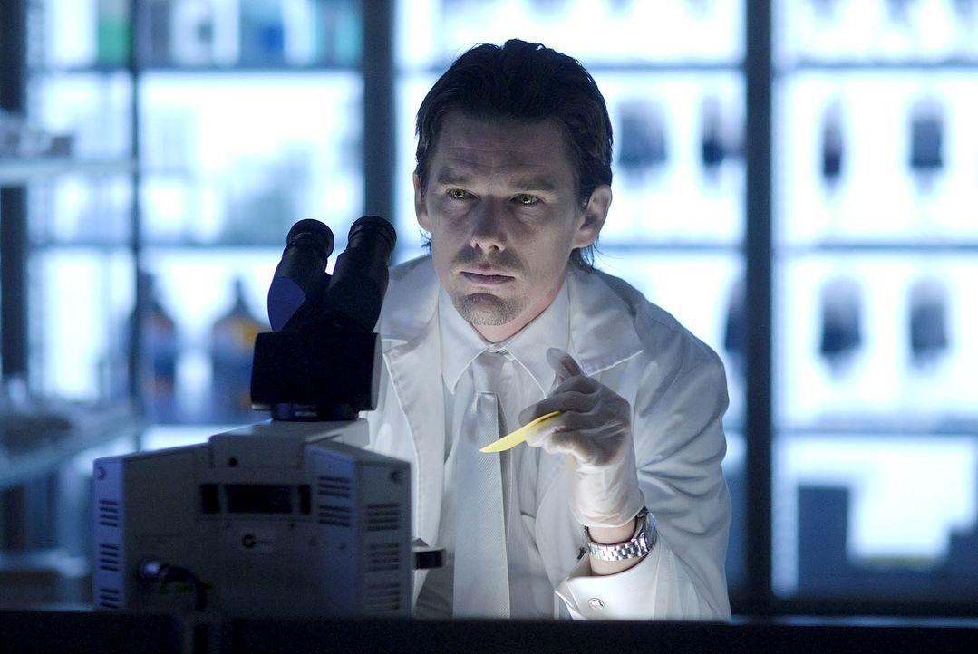 In der Zukunft ist die Menschheit fast komplett ausgerottet. Vampire beherrschen die Welt. Allerdings benötigen diese menschliches Blut, um zu überl... - Bildquelle: 2010 Tiberius Film GmbH & Co. KG