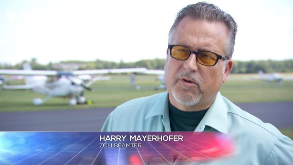 Zoll - Harry Mayerhofer - Bildquelle: SAT.1