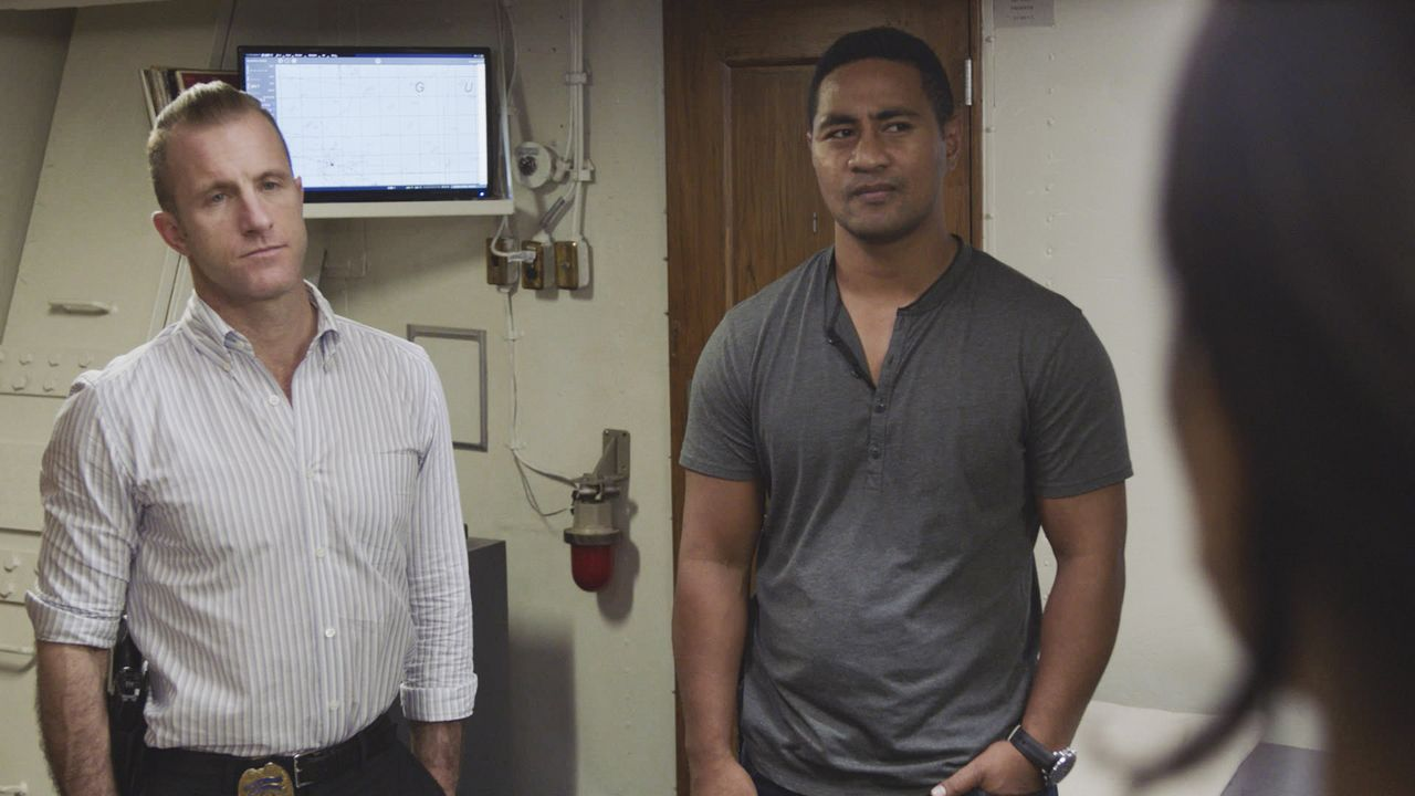 Danny Williams (Scott Caan, l.); Junior Reigns (Beulah Koale, r.) - Bildquelle: 2020 CBS Broadcasting Inc. All Rights Reserved.