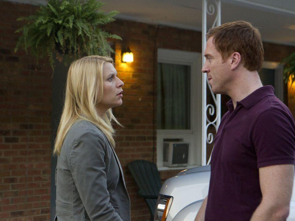 Da Brody (Damian Lewis, r.) seine Tarnung gegenüber Roya nicht mehr halten kann, kündigt die Zusammenarbeit mit der CIA auf. Carrie (Claire Danes,... - Bildquelle: 20th Century Fox International Television