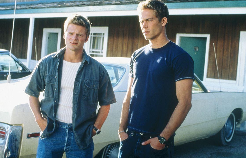 Eines Tages versuchen die beiden Witzbolde Fuller (Steve Zahn, l.) und Lewis (Paul Walker, r.) einem Trucker per Funk weiszumachen, dass in einem Ho... - Bildquelle: 20th Century Fox