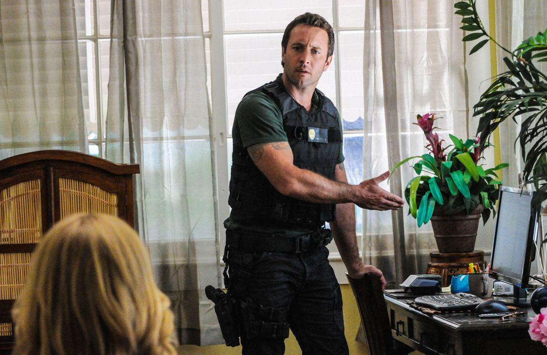 Versucht gemeinsam mit seinem Team, einen neuen Fall zu lösen: Steve (Alex O'Loughlin) ... - Bildquelle: 2013 CBS Broadcasting, Inc. All Rights Reserved.