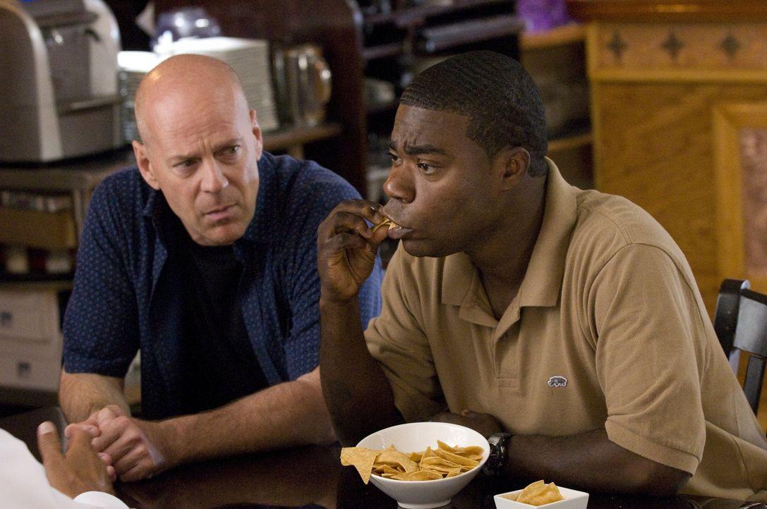 Paul (Tracy Morgan, r.) steht seinem Partner Jimmy (Bruce Willis, l.) immer zu Seite und hilft ihm sogar, als er sich auf einen Deal mit einem Gangs... - Bildquelle: 2010 Warner Bros.