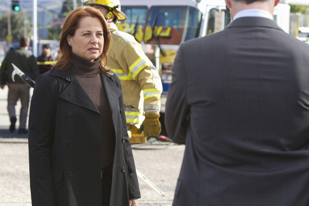 Benötigt die Hilfe, des BAU-Teams: Agent Bates (Deidre Lovejoy) ... - Bildquelle: ABC Studios