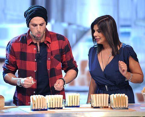 Doch die Scheibe trockenen Toast herunter zu würgen ist schwieriger als gedacht... - Bildquelle: - SAT 1 Willi Weber