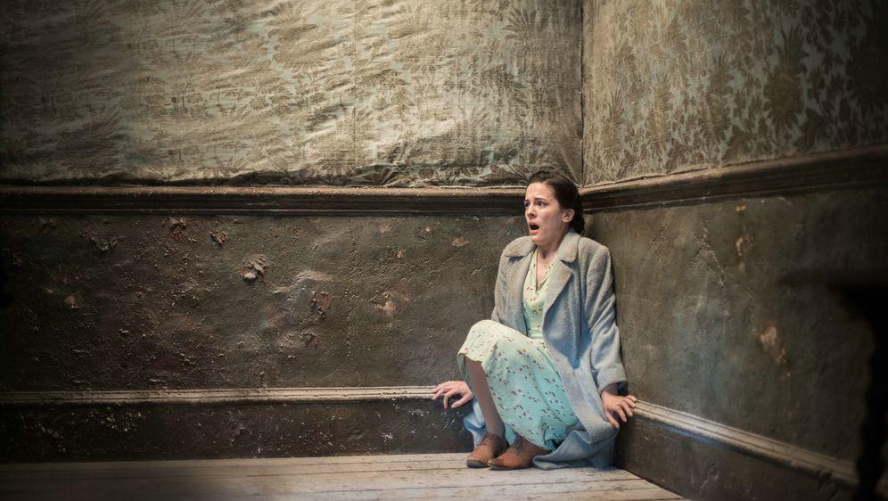 Die Frau in Schwarz 2 - Bildquelle: Nick Wall Angelfish Films Limited 2014 Photo / Nick Wall