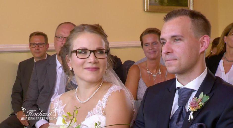 Hochzeit Auf Den Ersten Blick Video Entscheidetchristina Sich Im Letzten Moment Gegen Julian Sat 1