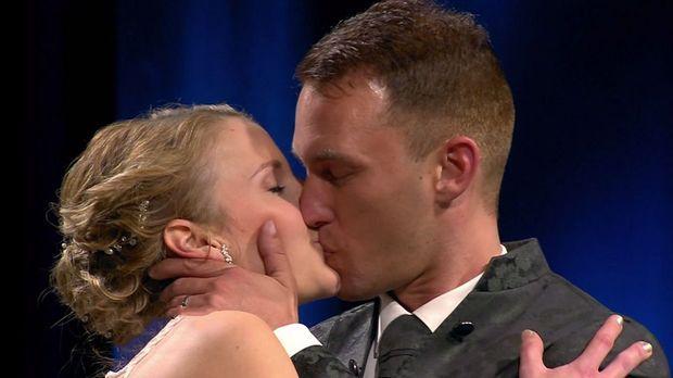 Hochzeit Auf Den Ersten Blick - Hochzeit Auf Den Ersten Blick - Spezial: Ariane Und Martin Schweben Auf Wolke Sieben