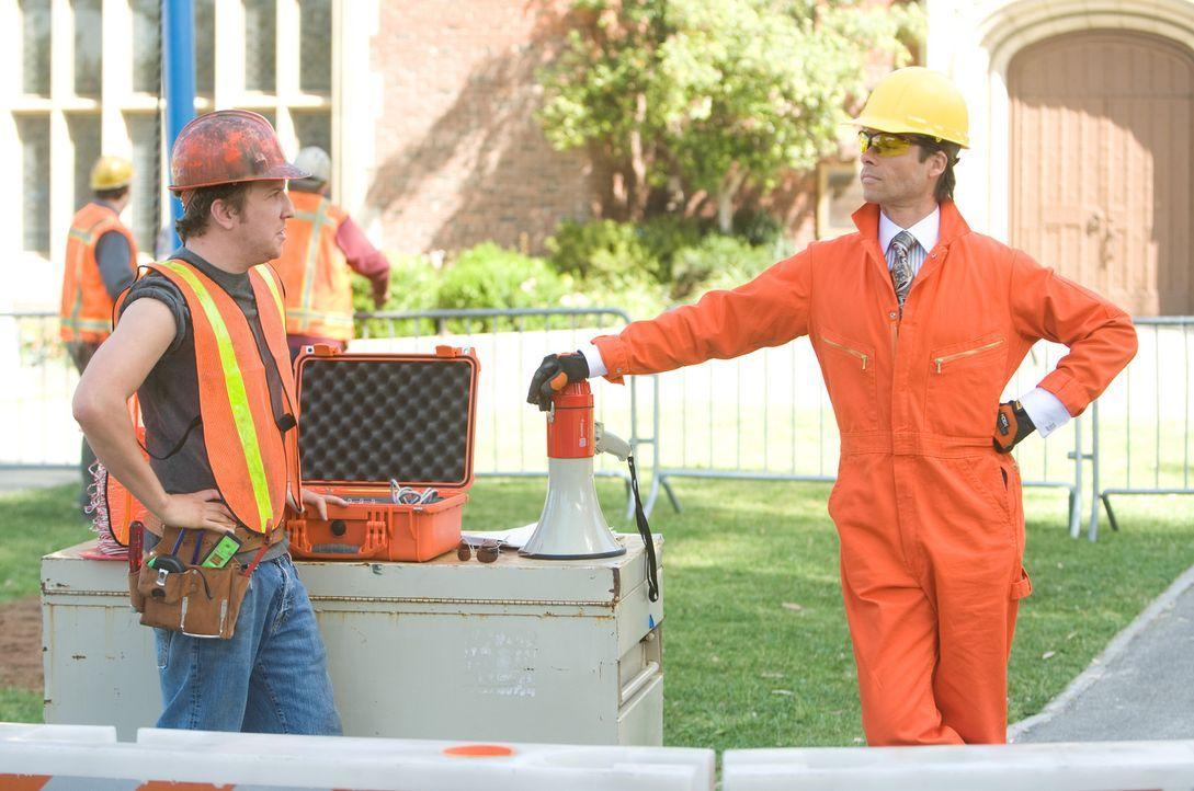 Der eiskalte Kendall (Guy Pearce) will die Schule der Kinder abreißen, um auf diesem Grundstück ein Superhotel zu bauen. Doch er hat die Rechnung... - Bildquelle: Disney