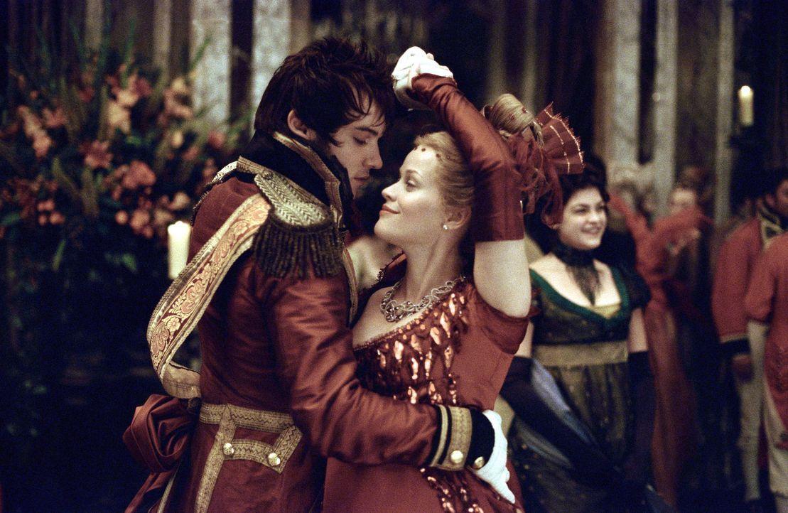 Obwohl George (Jonathan Rhys-Meyer, l.) mit Beckys (Reese Witherspoon, r.) bester Freundin verheiratet ist, macht er ihr ein unmoralisches Angebot ... - Bildquelle: Granada Film Productions