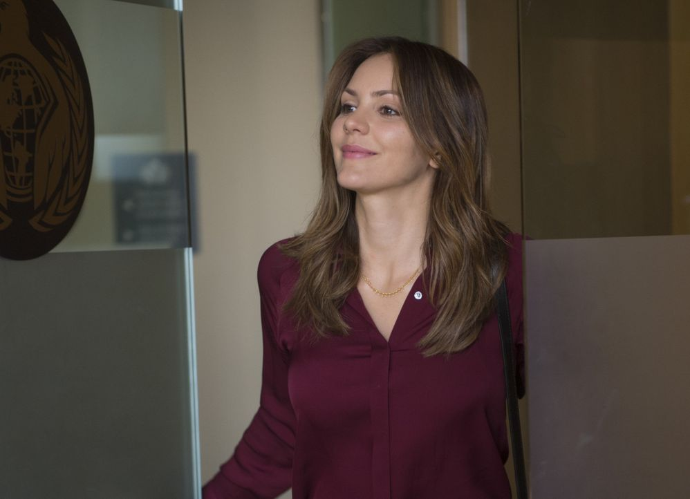 Riskiert ihr Leben, um einen skrupellosen Waffenhändler auszuschalten: Paige (Katharine McPhee) ... - Bildquelle: Neil Jacobs 2015 CBS Broadcasting, Inc. All Rights Reserved.