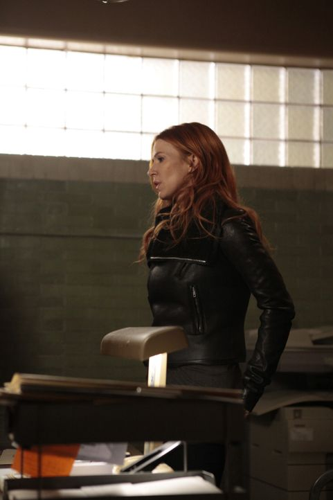 Untersucht, einen neuen Mordfall und bekommt dabei ungewöhnliche Unterstützung: Carrie (Poppy Montgomery) ... - Bildquelle: 2011 CBS Broadcasting Inc. All Rights Reserved.