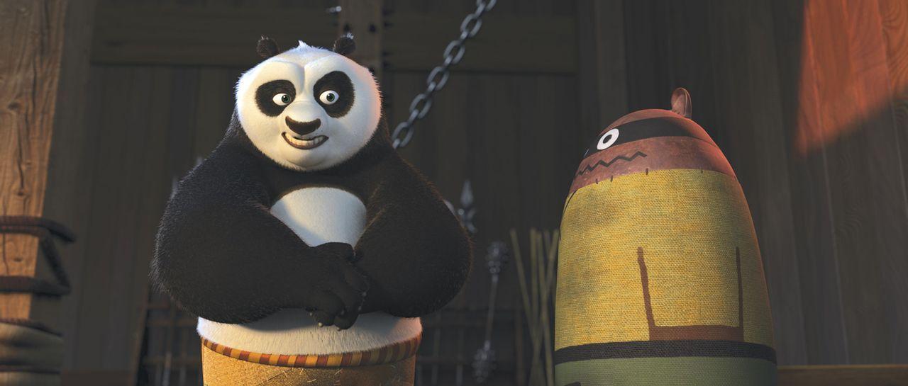 Kung Fu Panda Po versucht alles, um seinen Meister Shifu zufrieden zu stellen - er trainiert soviel er kann. Doch irgendwie klappt noch nichts so, w... - Bildquelle: Paramount Pictures