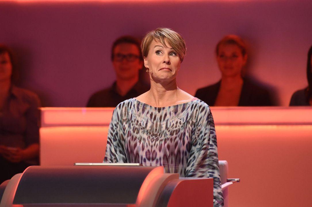 """Bei """"Was weiß ich?!"""" zeigt Sonja Zietlow, was sie auf dem Kasten hat ... - Bildquelle: Andre Kowalski SAT.1"""