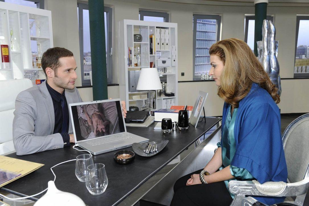 Nach langer Überlegung entschließt sich Natascha (Franziska Matthus, r.), Richard zu offenbaren, dass er Vater wird - doch bevor sie dazu kommt, i... - Bildquelle: SAT.1