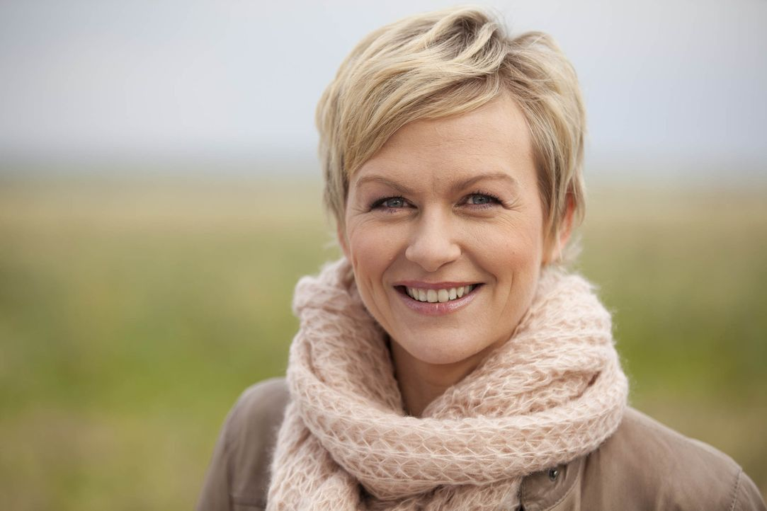 Hilft Menschen, die ihr ganzes Leben lang auf der Suche nach ihren wahren Wurzeln sind: Karen Heinrichs ... - Bildquelle: SAT.1