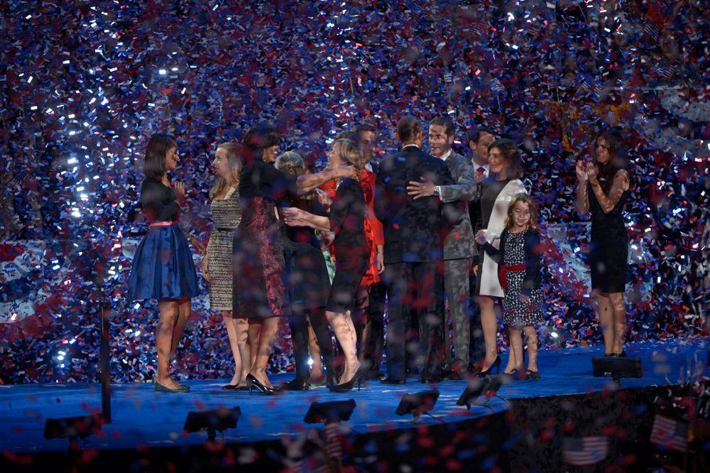 Ein Meer aus Konfetti überströmte die Sieger der Präsidentschaftswahl - Bildquelle: dpa - Bildfunk +++ Verwendung nur in Deutschland