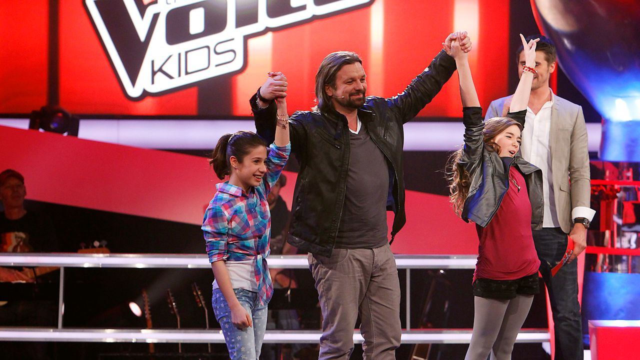 The-Voice-Kids-epi05-StephanieMichele-2-SAT1-Richard-Huebner - Bildquelle: SAT.1/Richard Hübner