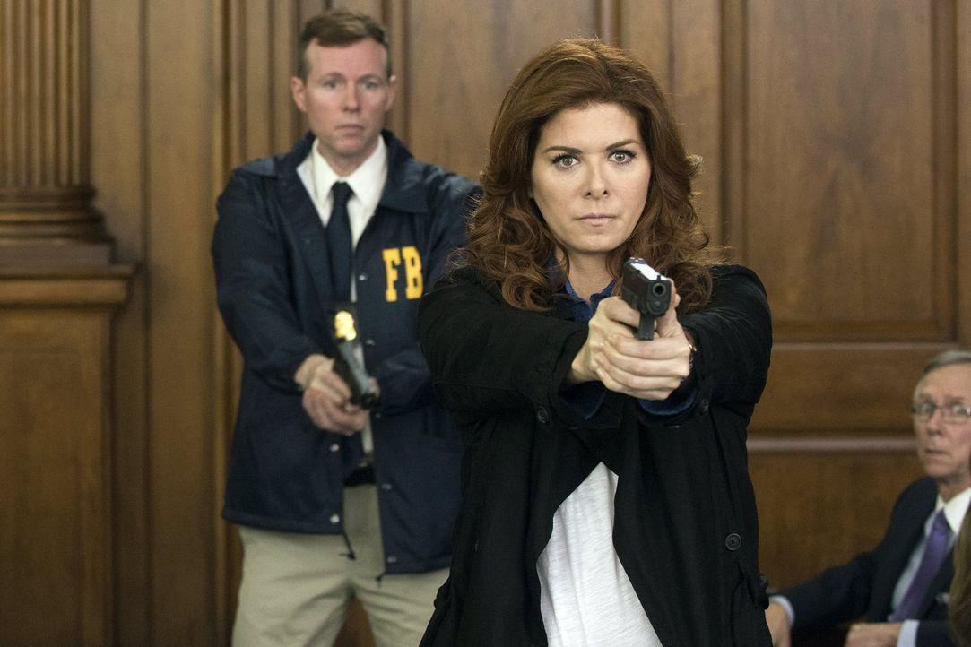 Während Jake in kritischer Verfassung ist, versuchen Laura (Debra Messing) und ihr Team alles, um seinen Angreifer zu finden ... - Bildquelle: Warner Bros. Entertainment, Inc.
