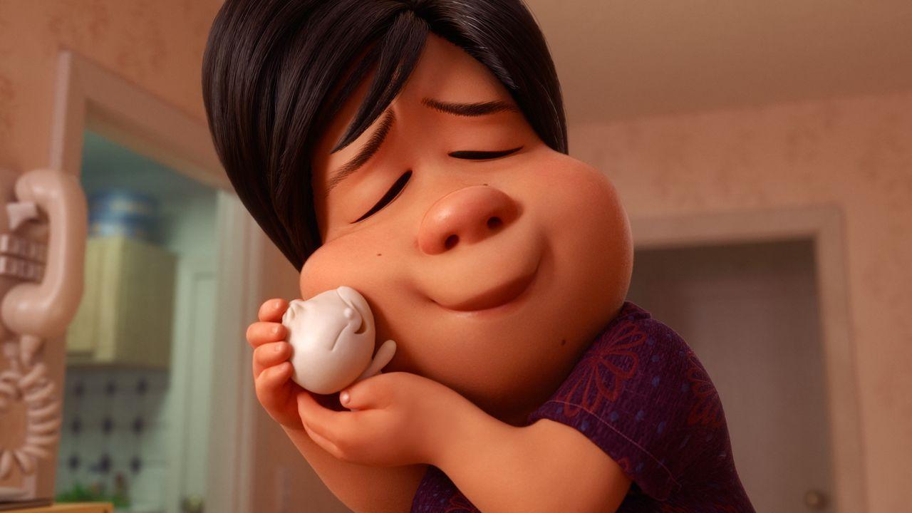Eine Frau fällt aus allen Wolken, als sie bemerkt, dass einer ihrer selbstge... - Bildquelle: Disney/Pixar