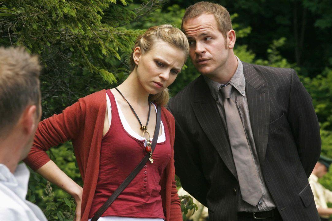 Bekommt noch Schützenhilfe von Tristan (Marc Ben Puch): Kiki (Teresa Rizos) ... - Bildquelle: Erika Hauri SAT. 1