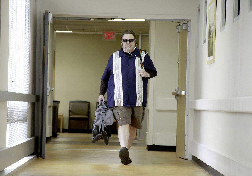 Whips Kumpel und Dealer Harling Mays (John Goodman) eilt sofort ins Krankenhaus, um Whip nach dem Absturz zu besuchen - und er hat so einiges im Gep... - Bildquelle: Robert Zuckerman 2012 PARAMOUNT PICTURES. ALL RIGHTS RESERVED. / Robert Zuckerman