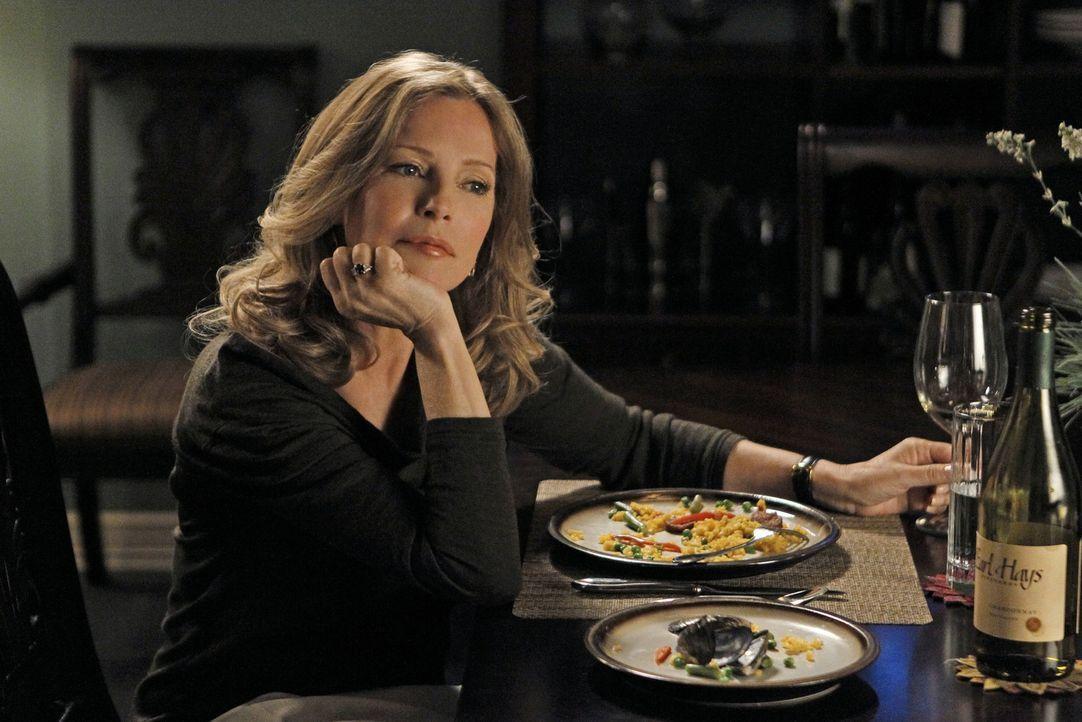 Bei den Ermittlungen in einem neuen Fall, stoßen Gibbs und seine Kollegen auf Duckys neue Romanze Mary Courtney (Cheryl Ladd). Doch hat sie wirklic... - Bildquelle: CBS Television