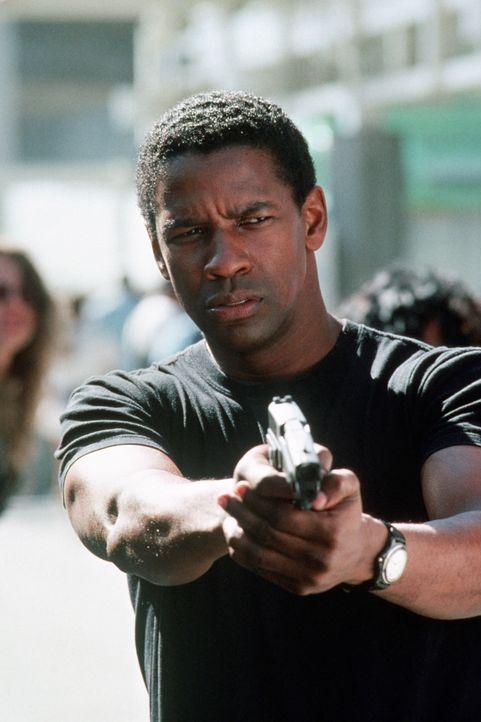 Der ehemalige Polizeidetektiv Parker Barnes (Denzel Washington) wird für einen riskanten Einsatz reaktiviert ... - Bildquelle: Paramount Pictures