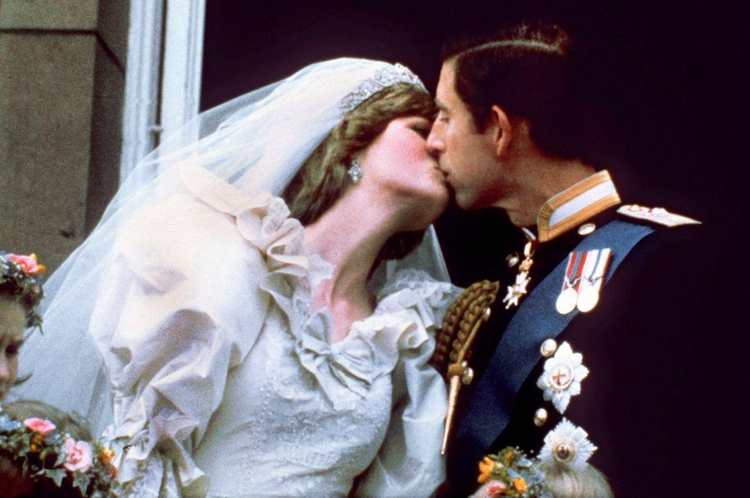 Hochzeit-Lady-Diana-Prinz-Charles-1981-07-29-2-dpa - Bildquelle: dpa