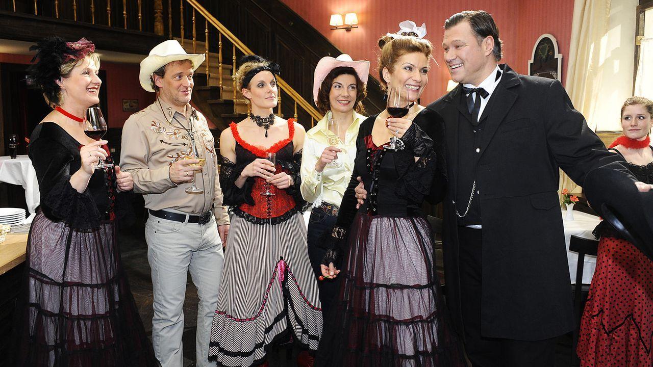 anna-und-die-liebe-folge-385-04-SAT1-Oliver-Ziebe - Bildquelle: Sat.1/Oliver Ziebe