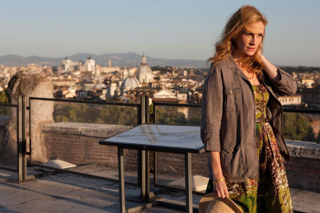 Liz Gilbert (Julia Roberts) hatte alles, wovon eine Frau heutzutage träumt oder zumindest träumen sollte - einen Mann, ein Haus, eine erfolgreiche... - Bildquelle: 2010 Columbia Pictures Industries, Inc. All Rights Reserved.
