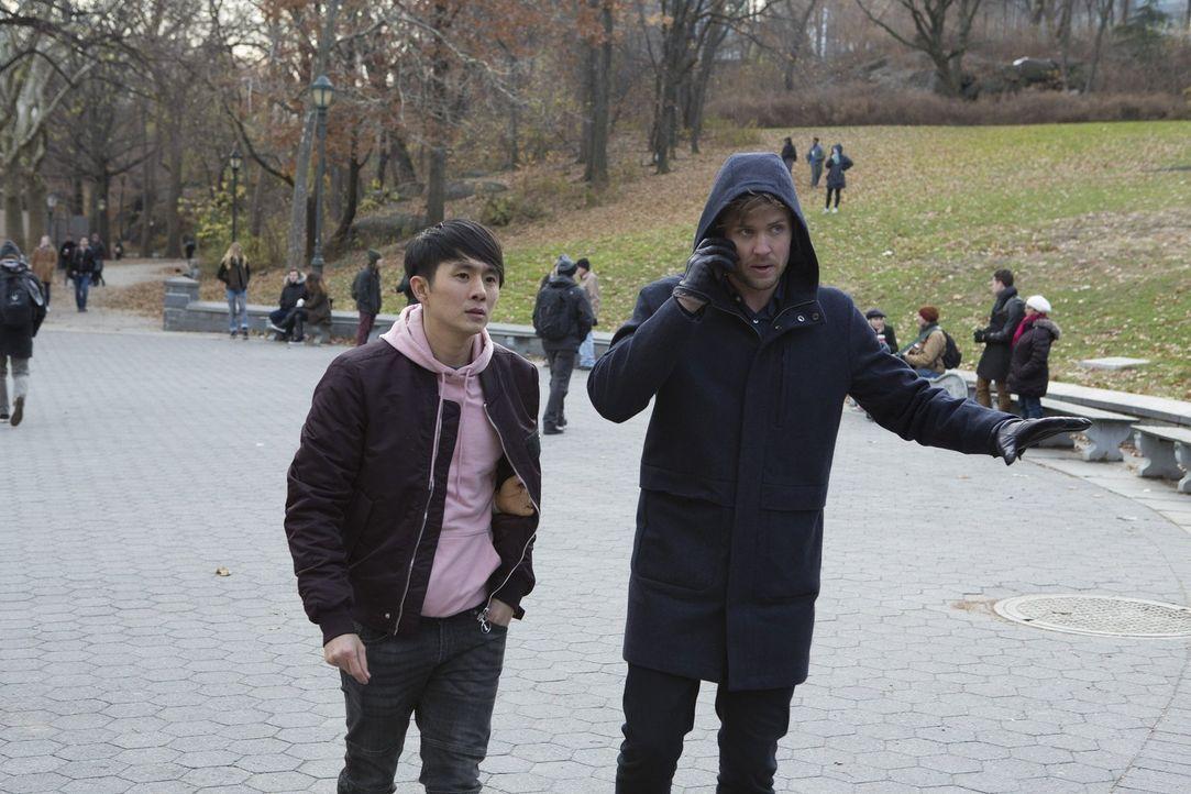 (v.l.n.r.) Jordan Kwon (Justin Chon); Cameron Black (Jack Cutmore-Scott) - Bildquelle: Warner Bros.