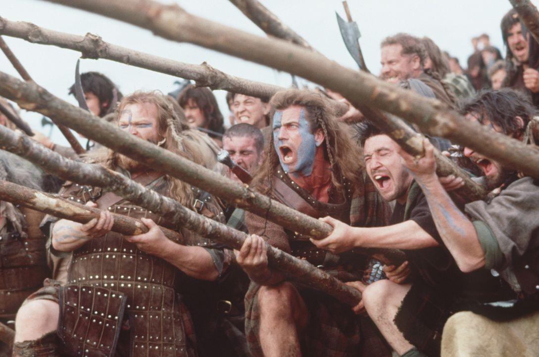 """Mit gellendem Kampfgeschrei und martialischem Aussehen lassen """"Braveheart"""" (Mel Gibson, M.) und seine Mannen den Besatzern das Blut in den Adern gef... - Bildquelle: Paramount Pictures"""