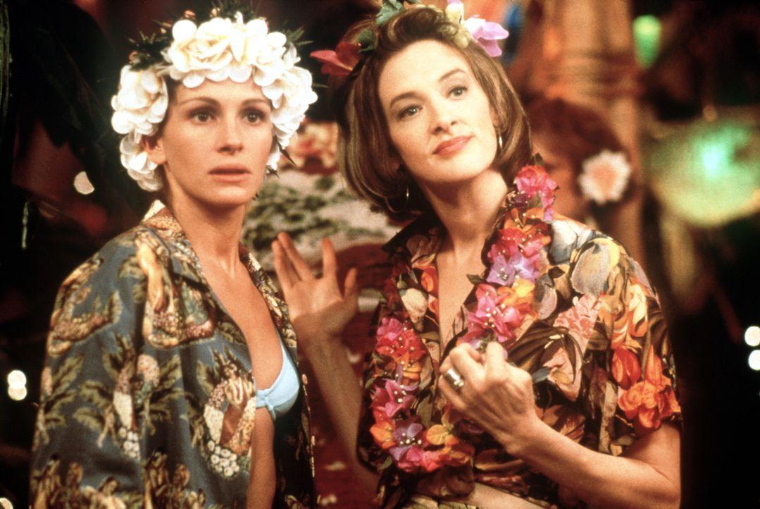 Können nicht fassen, was der abgebrühte New Yorker Journalisten Ike Graham vor hat: Maggie (Julia Roberts, l.) und Peggy (Joan Cusack, r.) ... - Bildquelle: Buena Vista International