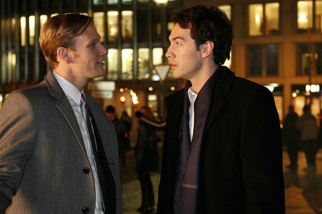 Der Kampf zwischen den Brüdern Philip (Philipp Romann, l.) und Mark (Arne Stephan, r.) geht weiter ... - Bildquelle: SAT.1
