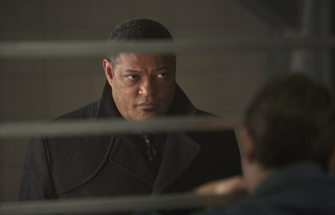 Dr. Abel Gideon (Eddie Izzard, r.), der bereits seit zwei Jahren in der Strafanstalt für geistesgestörte Verbrecher sitzt, bisher aber ein vorbild... - Bildquelle: 2012 NBC Universal Media, LLC