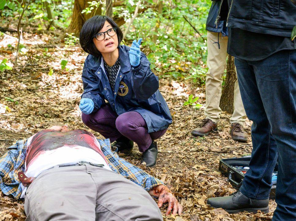 Dr. Edrisa Tanaka (Keiko Agena) - Bildquelle: David Giesbrecht 2019 Warner Bros. Entertainment Inc. All Rights Reserved. / David Giesbrecht