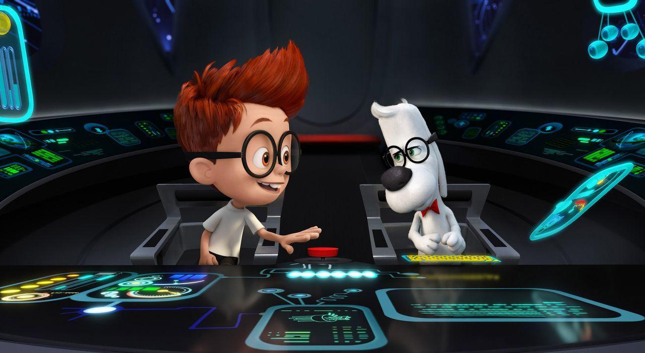 Der hochintelligente Hund Mr. Peabody (r.) hat es geschafft, eine Zeitmaschine zu erfinden, mit der er zusammen mit seinem Adoptivsohn Sherman (l.)... - Bildquelle: 2014 DreamWorks Animation, L.L.C.  All rights reserved.