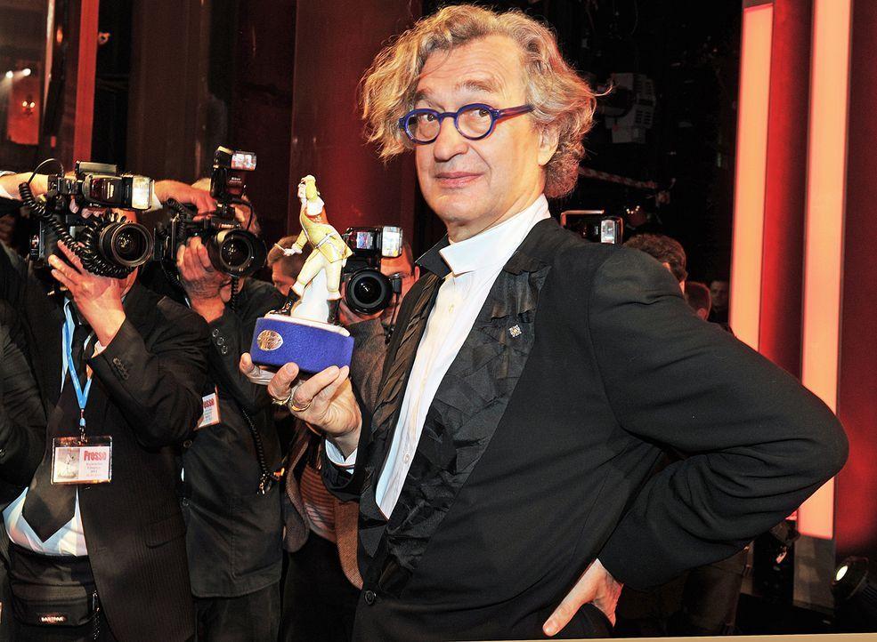 Bayerischer Filmpreis 2012-Ehrenpreis für Wim Wenders - Bildquelle: dpa