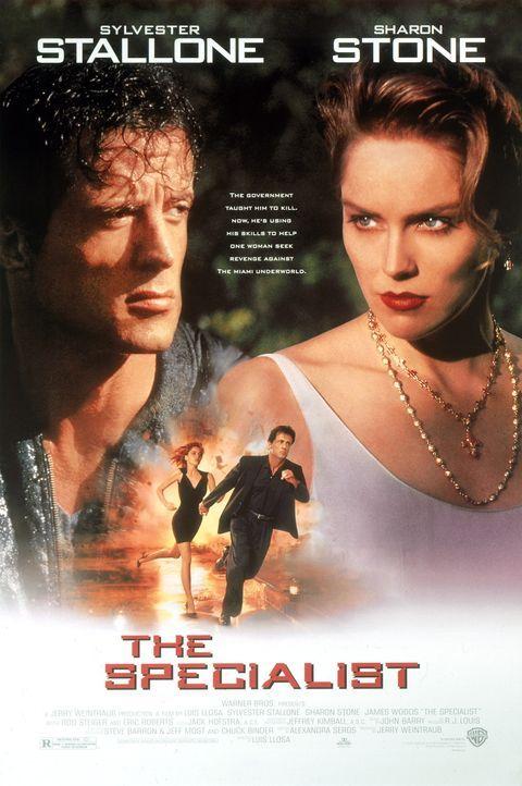 Der Sprengstoffexperte Ray Quick (Sylvester Stallone, l.) erhält von der verführerischen May (Sharon Stone, r.) einen gefährlichen Auftrag: Die s... - Bildquelle: Warner Brothers