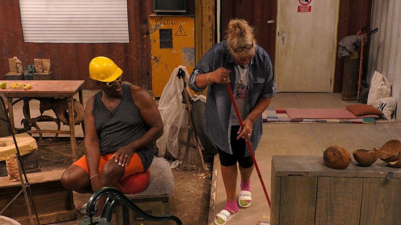 Silvia Wollny fegt die Baustelle