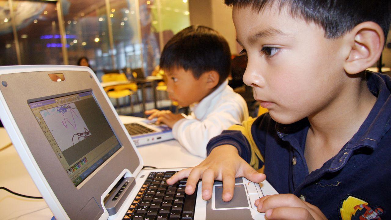 kinder-technik-pc-cimputer-undatiert-dpa - Bildquelle: dpa