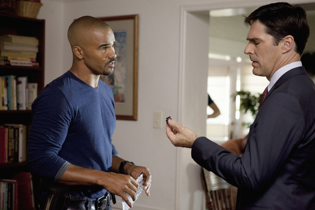 Auf der Suche nach einem Serienmörder: Gibbs (Thomas Gibson, r.) und Morgan (Shemar Moore, l.) ... - Bildquelle: Touchstone Television