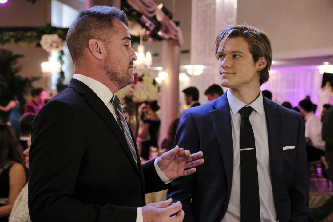 Jack Dalton (George Eads, l.); MacGyver (Lucas Till, r.) - Bildquelle: Guy D'Alema 2018 CBS Broadcasting, Inc. All Rights Reserved