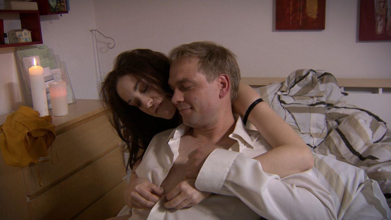 Monatelang war Maja (l.) nur eine Affäre. Doch das soll sich ändern, denn ihre große Liebe Niklas (r.) will sich von seiner langjährigen Freundi... - Bildquelle: SAT.1