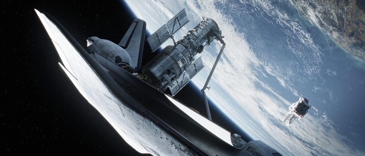 Schwarze Löcher, explodierende Sonnen, unendliche Weiten: Für den erfahrenen Astronauten Matt (George Clooney) ist das All in seiner unbeschreibbare... - Bildquelle: Warner Brothers